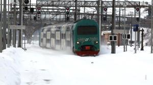 treno sotto nevicata